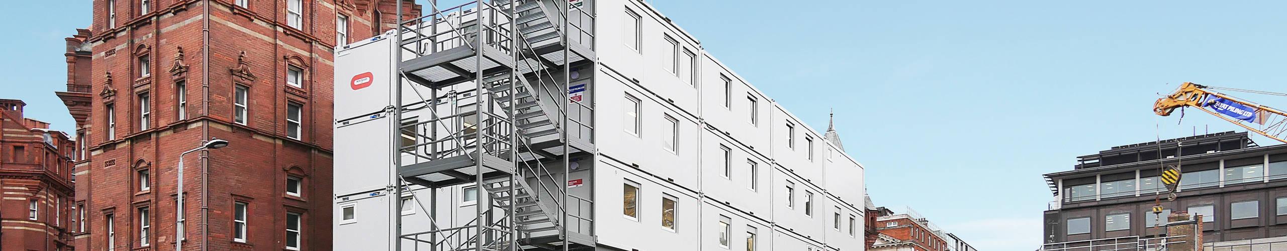 Conjuntode contentores escritório de aluguer nosUniversity College London Hospitals, GB-Londres