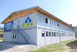 Instalação escolar - RENT A BLUE BOX