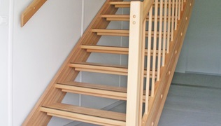 Escada interior a direito