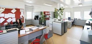 Espaço de escritório a partir de contentores