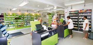 Farmácia - espaço de vendas, laboratório e armazém
