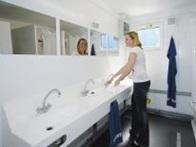 Contentor-sanitário com água potável