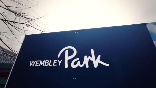 Sistema de escritóriospara obra no Parque de Wembley