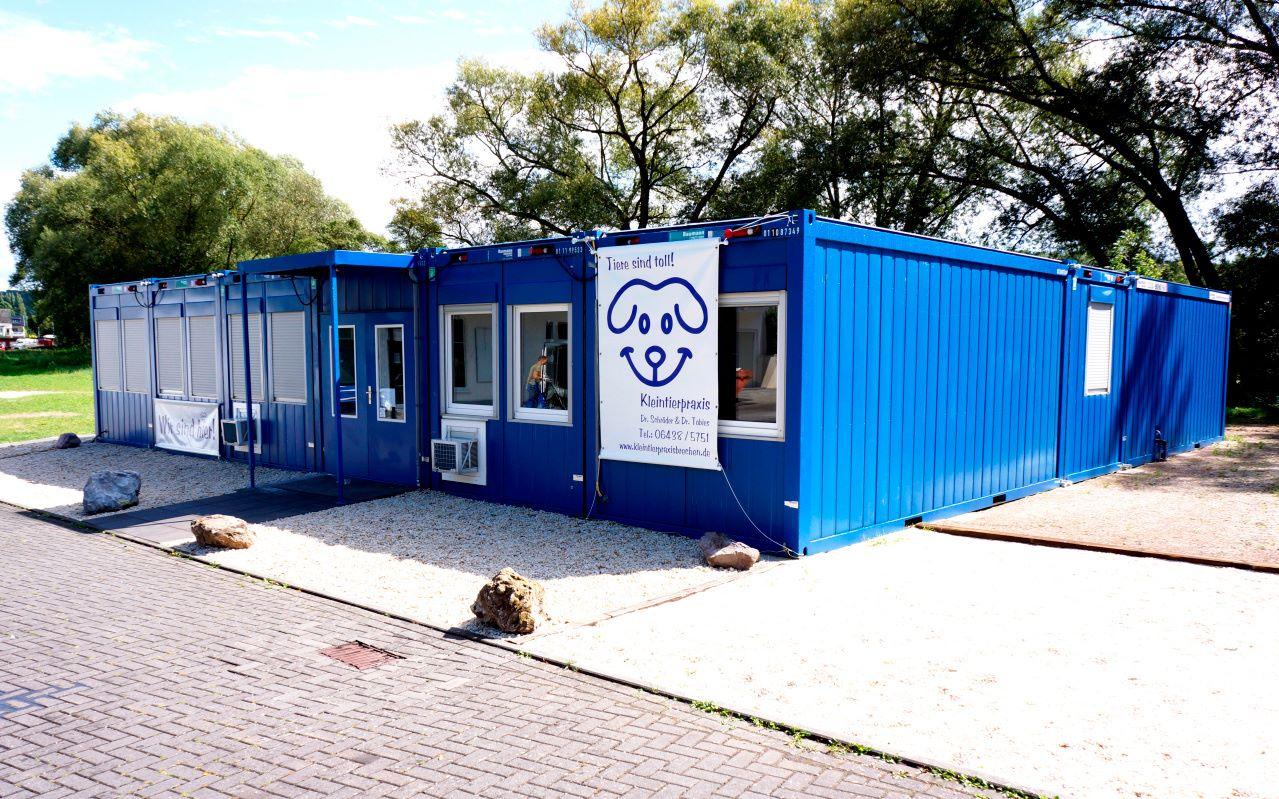 Cl nica veterin ria com consult rios brechen alemanha for Consul container