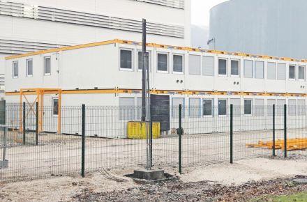 Instalação de escritórios com realces de cor, FR-Grenoble