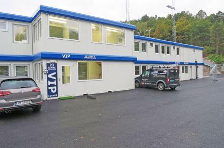 """Alojamento do clube """"Arendal Fotball Stadion"""", em Arendal, Noruega"""