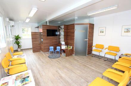 "Consultório médico modular ""Dr. Fedrizzi"", Ruprechtshofen, Áustria"
