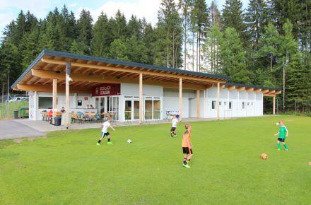 "Sede do clube de futebol ""FC Oberndorf"", emOberndorfin Tirol, Áustria"