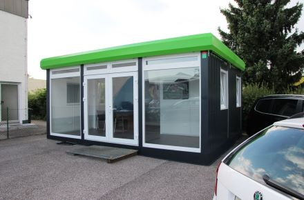 """Espaço de venda de automóveis """"Sander"""", Linz, Áustria"""