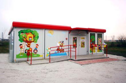Jardim infantil a partir de contentores-escritório e contentores-sanitários, Sroda Wielkopolska, Polónia